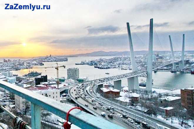 Мост в черте города