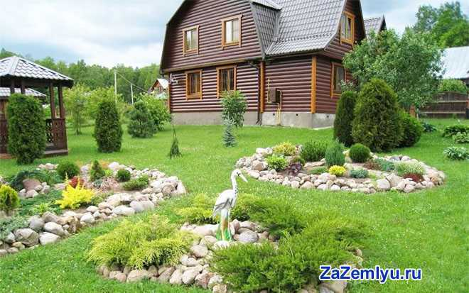 Дачный дом, клумбы, огород
