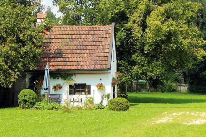 Дачный дом, летняя погода