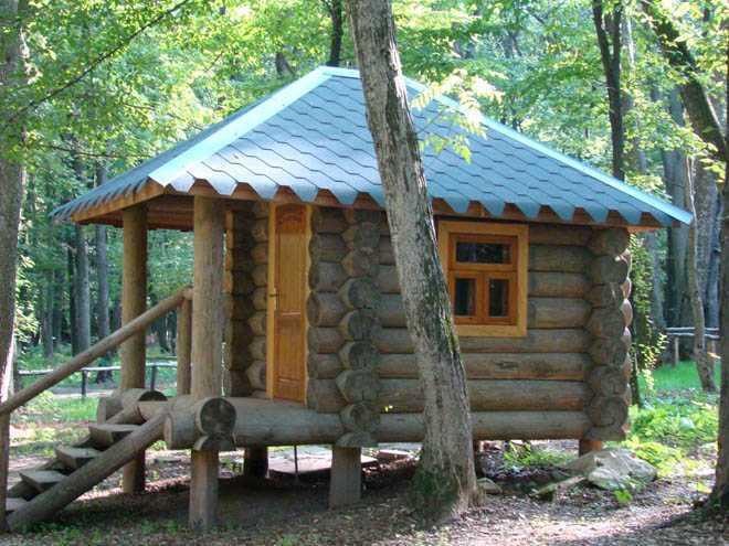 деревянная баня на участке