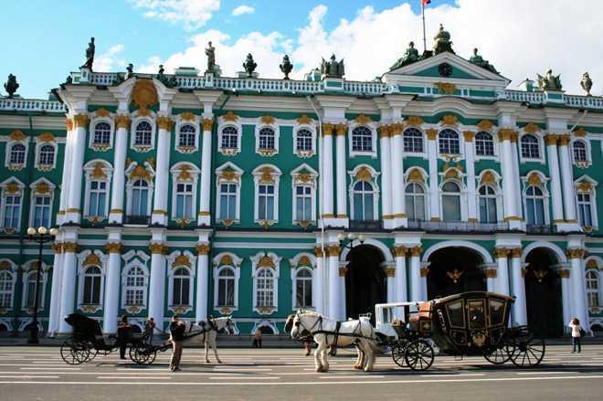 Екатерининский дворец в Санкт-Петербурге