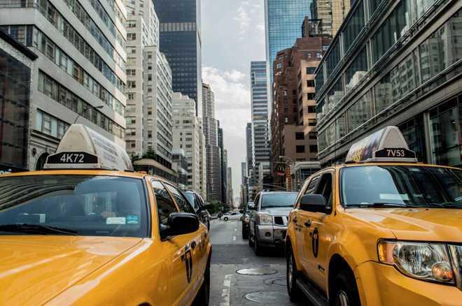 Автомобильная пробка в городских условиях