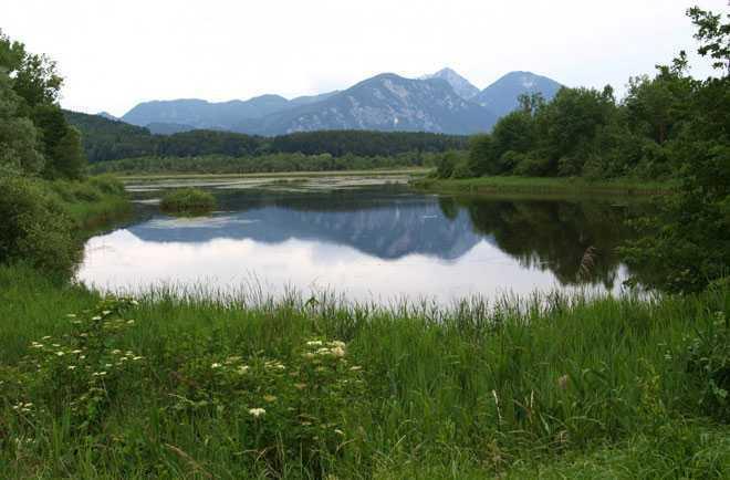 Озеро, горная местность